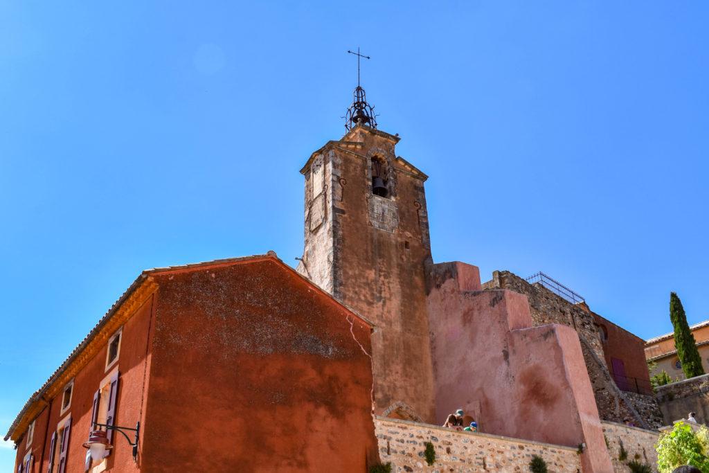 Clocher d'église de la ville de Roussillon