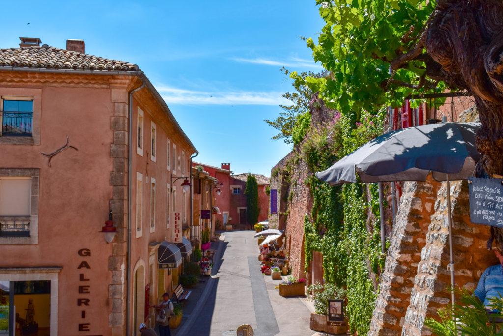 Les ruelles orangées de Roussillon